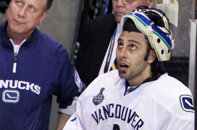 Luongo sitting on the bench