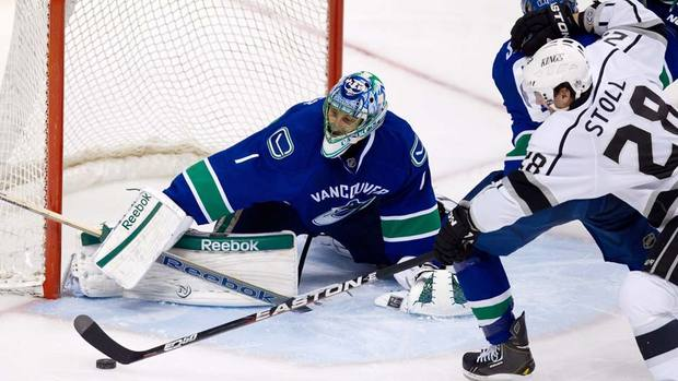 Luongo makes a save versus the Kings.